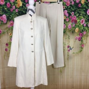 Dressbarn Winter White Jacket and Pant Set Size 10